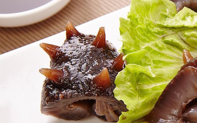 海参一次吃多少合适:需要根据不同人群划分