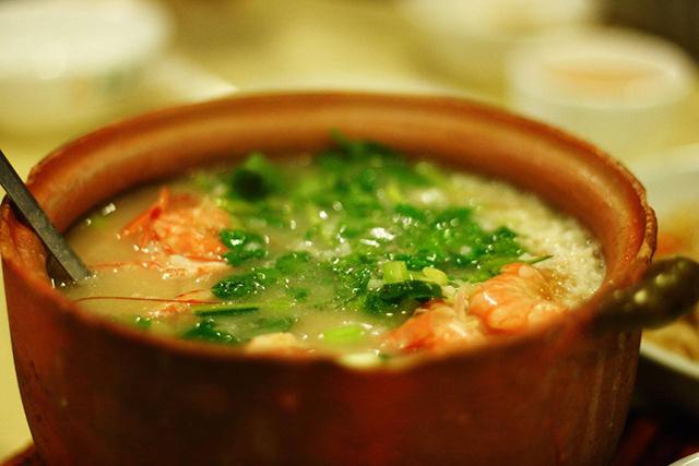 秋天的开始,你需要一碗潮汕海鲜砂锅粥